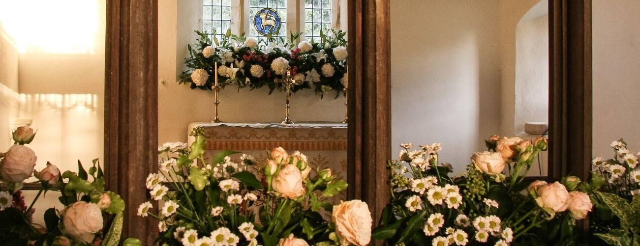 Berwick bassett floral arrangements for a wedding